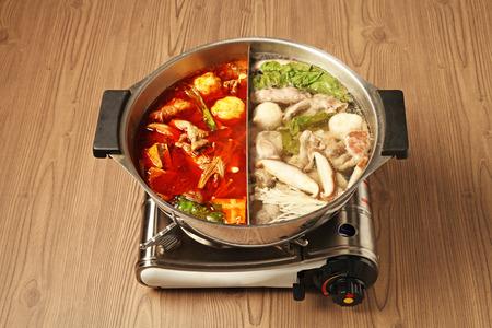 double flavor hot pot Foto de archivo