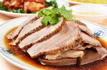 with duck: Comida china Pato -Marinated Carne