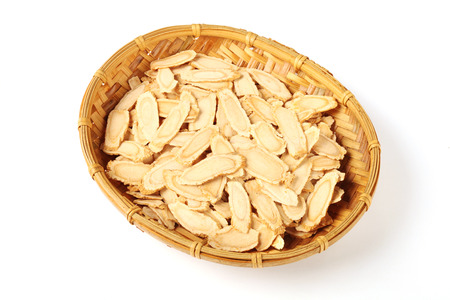 ginseng: Sliced ginseng in bamboo basket
