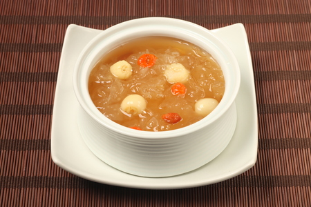 Chinese traditional dessert - Sweet white fungus and lotus seeds soup Foto de archivo
