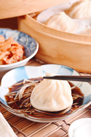 Close up shot of pork soup dumpling 版權商用圖片