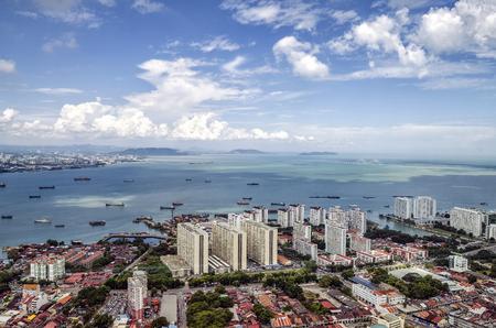 ペナン、マレーシアでのトップ コムタからジョージ町の空撮。