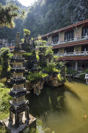 Sam Poh Tong Temple, Ipoh, Malaysia - It is the biggest cave temple in the country, and is an impressive work of art and faith, with various statues of Buddha interspersed among the stalactites and st