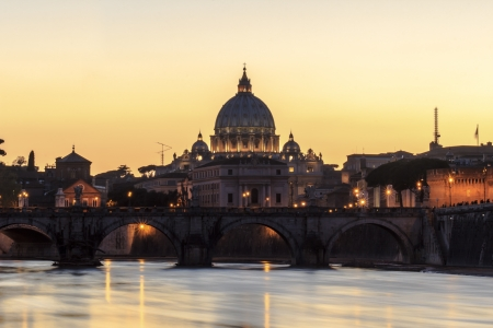 st peter s basilica: St  Peter s Basilica at dusk, Rome, Italy Stock Photo