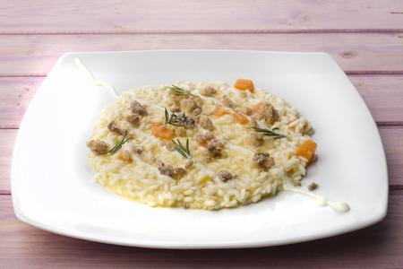 risotto italiano con la calabaza y la salchicha