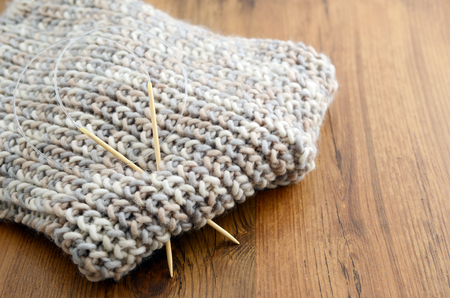 knitting scarf with wool