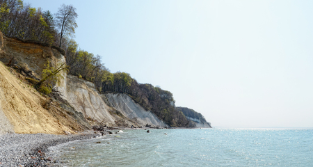 chalk rock cliff of Rugen Island (Germany) in springtime. 版權商用圖片
