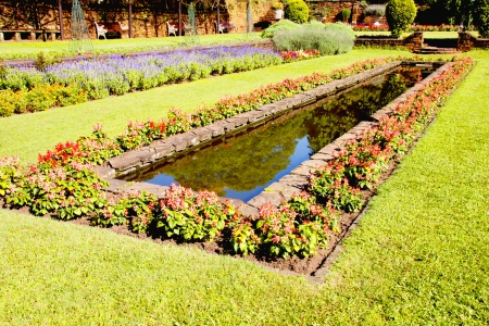 Landscaped Formal Garden With Rectangular Fish Pond Stock Photo   24808544