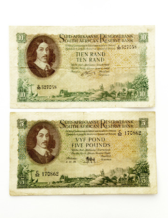 shilling: isolated Union of South Africa 5 pound bank note and Republic of South Africa 10 Rand banknote Stock Photo