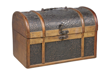 clasp: ornamental treasure chest with brass handle and clasp