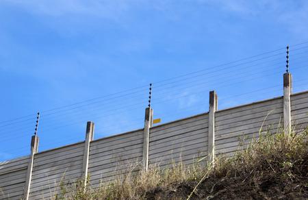 전기 보안 울타리 프리 캐스팅 벽 꼭대기