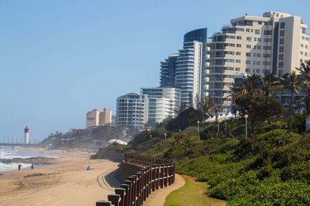 Residential buildings and hotels on promenade of umhlanga rocks in kwazulu-natal, south africa Banco de Imagens