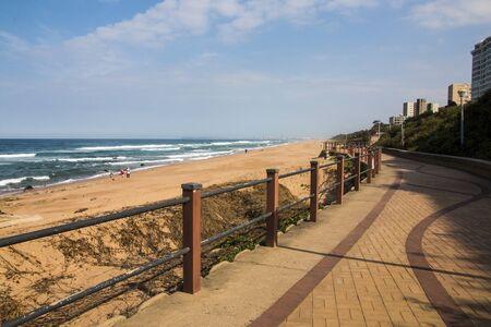 Patterns in paved walkway of promenade along seaside in umhlanga rocks, south africa Banco de Imagens