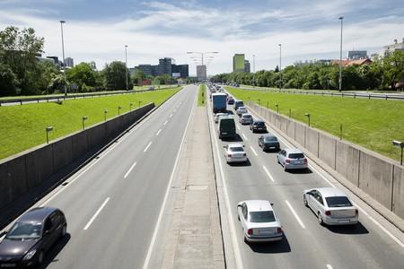 going in: concepto de hora punta con todos los coches que van en una direcci�n  Foto de archivo