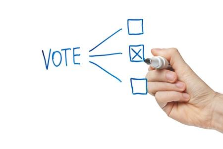 voting box: mano casella di voto riempimento con opzione