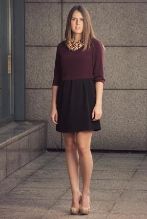 highend: di fascia alta moda concetto di ritratto femminile sul posto