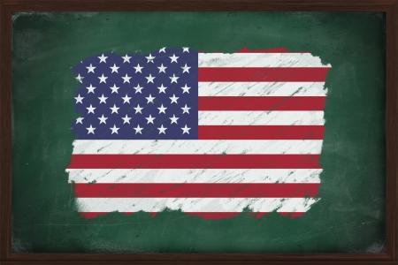 verenigde staten vlag: Verenigde Staten vlag geschilderd met kleur krijt op oude schoolbord