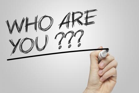 personal identity: �Qui�n est� escrito en una pizarra transparente