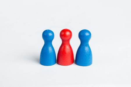 trio: Concepto de tr�o con figuras de juego en blanco