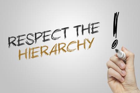 jerarquia: Escritura de la mano respetar la jerarqu�a en fondo gris