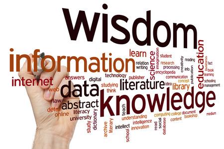conocimiento: Conocimiento de informaci�n de datos palabra wisdomconcept nube de fondo