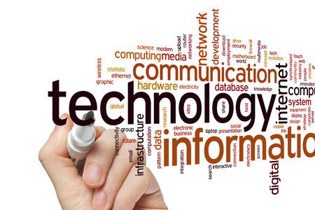 tecnologia informacion: Tecnolog�a de la informaci�n concepto de nube de palabras de fondo Foto de archivo