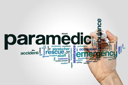 paciente en camilla: Concepto de nube paramédico de palabra sobre fondo gris Foto de archivo