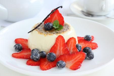 panna cotta: Vanilla panna cotta with summer berries.