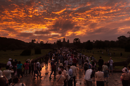 Crowd looking at Angkor Wat temple temple during the spring equinox Stock Photo