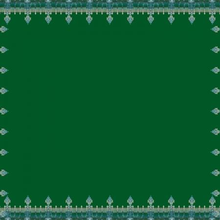 Spear Border Green