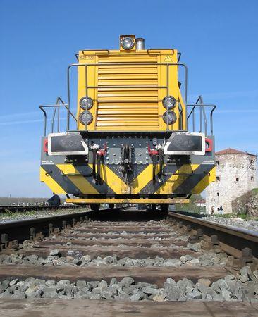 railtrack: Yellow locomotive