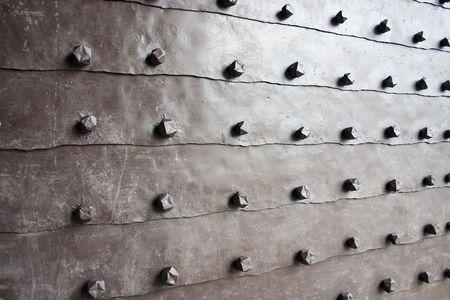 devanture: porte m�tallique de fa�ade casle. d�tail pr�s.