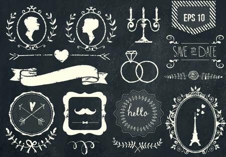 mujeres fashion: Elementos de tiza y Retro iconos conjunto para el diseño retro. Estilo de París. Con cinta, arco, torre Eiffel, frontera, perfil de la mujer, el perfil del hombre y la decoración de la boda. Ilustración del vector. Fondo de la pizarra. Vectores