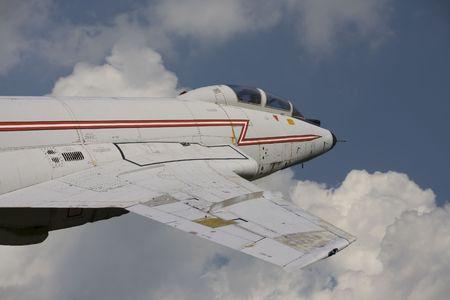 Close-up foto van een vintage straal jager in de lucht  Stockfoto