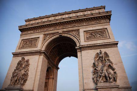 Voor weergave van de beroemde Arc de Triomphe in Parijs Stockfoto