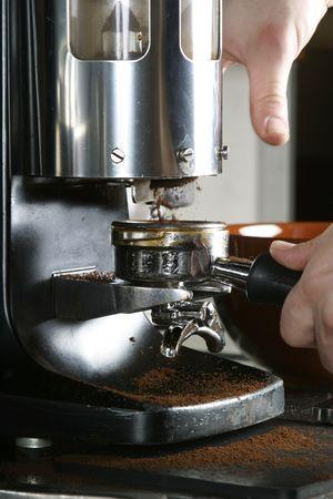 baionetta: Espresso coffee grinder con baionetta pronta per essere riempita Archivio Fotografico