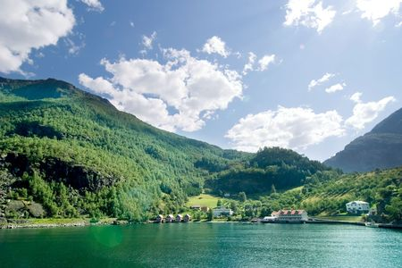 norge: Fjord landscape in the western area of Norway, Aurlandsfjord in Sognefjord.