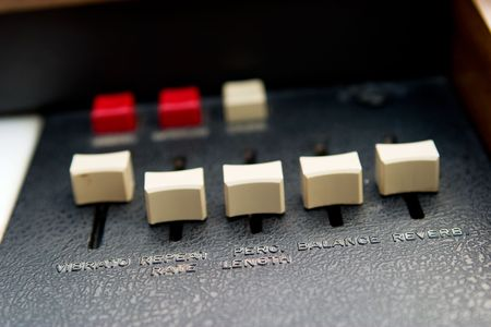 reverberate: Retro organ slider details