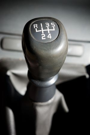 shifter: A gear shifter with 5 speeds in an older car Stock Photo