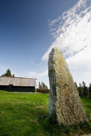 runes: Viking runes inscrit dans une pierre