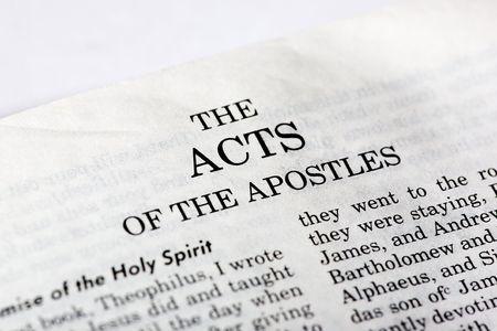 testament: Una macro detalle de los libro de los Hechos en el Nuevo Testamento cristiano Foto de archivo