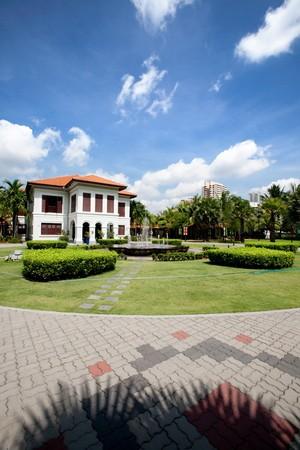casa colonial: Una casa colonial en blanco singpore