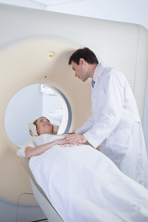 radiotherapy: Doctor comforting patient before CT scan Stock Photo