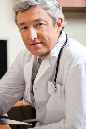 Mature Male Doctor Stock Photo - 17238689