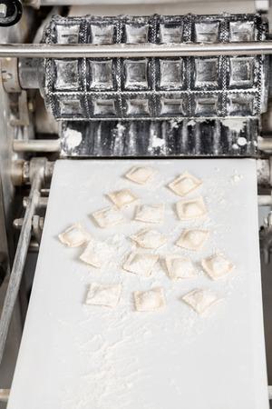 Ravioli Pasta Op Geautomatiseerde Machine