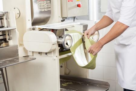 cocinas industriales: Procesamiento Chef Spaghetti Pasta Hoja De Máquina