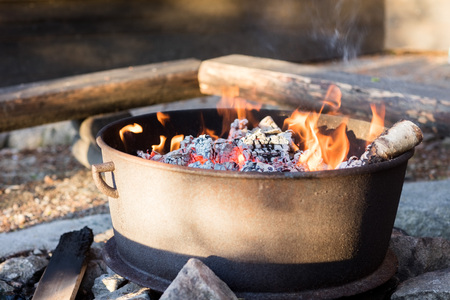 Hot Charcoal Fire Ready For Barbecue In Firepit Archivio Fotografico