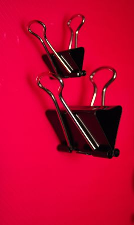 foldback: bull clips over a red background