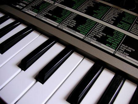 synthesizer: synthesizer keyboard
