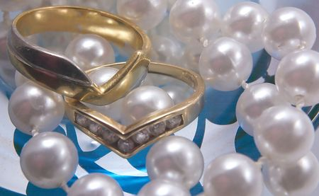 rings and pearls Stock Photo - 342756